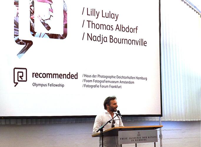 ondesign realisiert für recommended Fellowship Editorial Design des Ausstellungskatalogs - Ausstellung und Bühnenbild